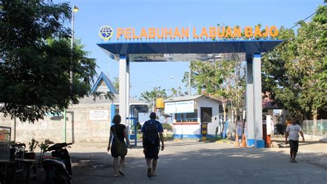 ferry labuan bajo labuan bajo is a dive komodo dragon base town diy travel hq