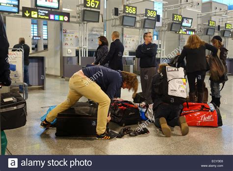 emirates overweight baggage fee travellers with overweight baggage airport check in
