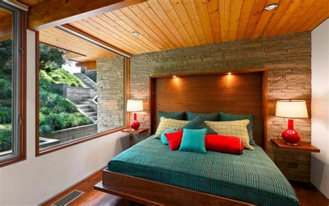 table de nuit rustique installer une table de nuit suspendue pr 232 s de lit