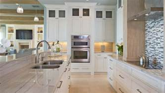8 different types of countertop materials homeowners