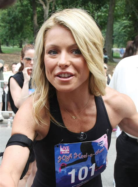 kelly ripa pictures videos breaking news kelly ripa pictures videos breaking news tattoo design bild