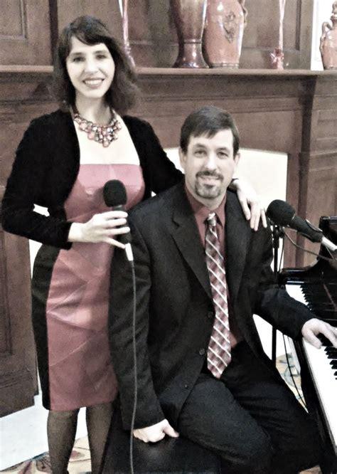 hire festive singers christmas carolers  chicago illinois