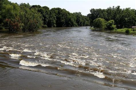 flood warning issued for fox river effective tuesday