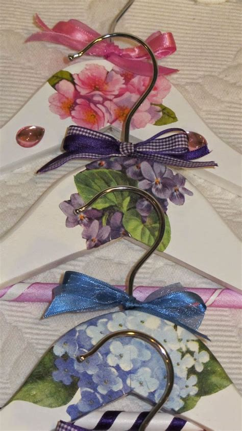 Decoupage Wooden Hangers - 815 best images about coathangers on fabric
