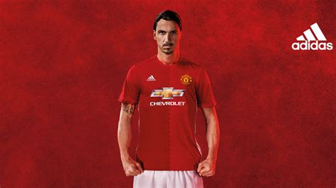 www man u new signing for 2016 new man utd signing comments on zlatan ibrahimovic