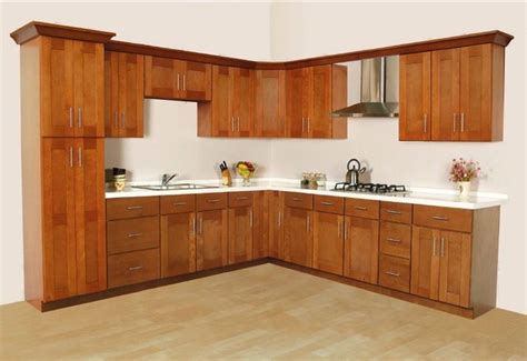 Kitchen Design With Shaker Cabinets Cinnamon Shaker Kitchen Cabinets Home Design Traditional