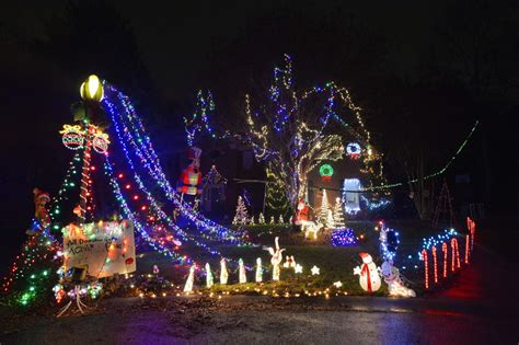 the 15 most spectacular christmas light displays in