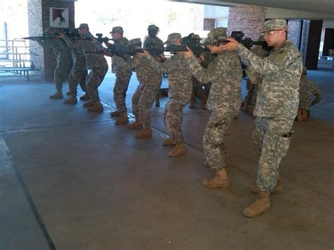 3 star more training days for the guard as the army struggles with