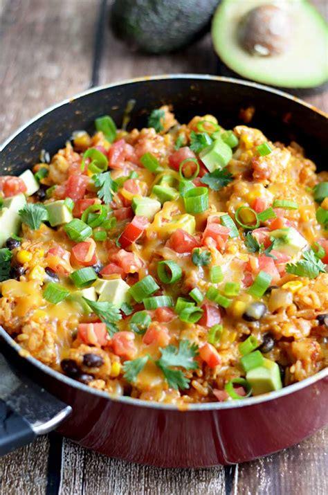 pot cheesy chicken taco rice host  toast