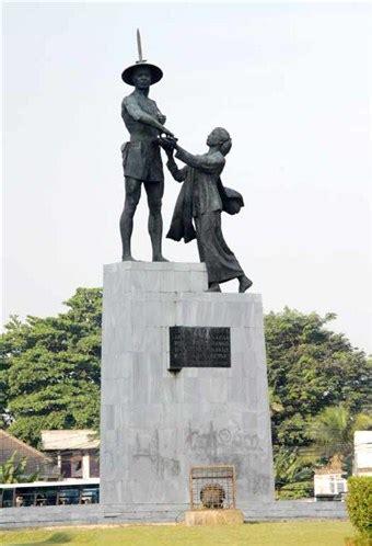 Monumen Oleh Indra Tranggono kisah di balik tugu tani patung pahlawan dunia aleut