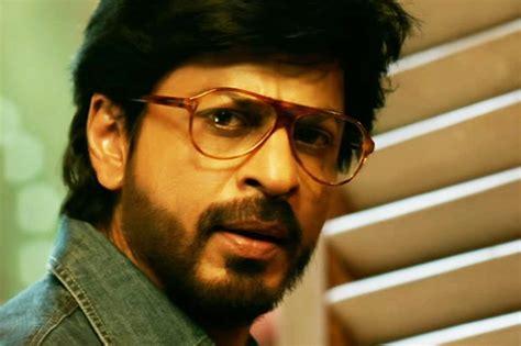 Raees Movie Review: Shah Rukh Khan Served, Vintage Style ...