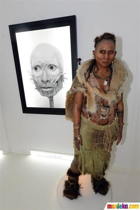 foto ahli paleontologi ini ungkap wajah asli nenek moyang manusia merdeka