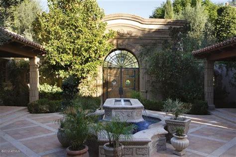 mediterranian courtyard gardens courtyards and verandas pinterest 1000 images about mediterranean yard ideas on pinterest