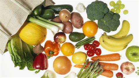 fruits u should buy organic these are the fruits and vegetables you should always buy