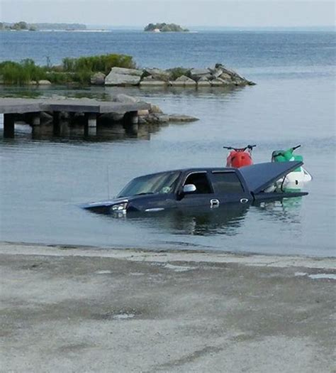 worst boat fails boating fails ouch gallery ebaum s world