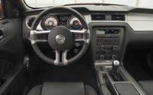 2009 ford mustang vs 2010 ford mustang features motor
