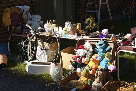 5 tips for a successful home garage sale