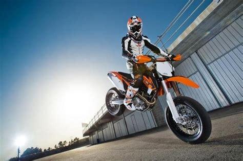 Cross Motorrad Wheelie by 2013 Ktm 450 Smr Motorcycle Review Top Speed