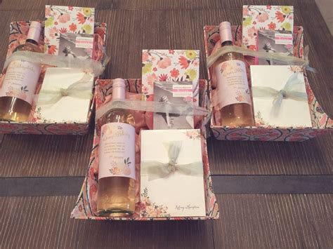 25  best ideas about Shower hostess gifts on Pinterest