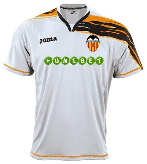 Jersey Valencia Away No Sponsor soccer jerseys club will joma brand dress valencia in