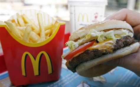 cadena de comida rapida hamburguesas mcdonald s cambia los ingredientes de sus hamburguesas