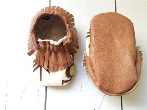 diy leather baby moccasins 25 adorable easy to make baby accessories