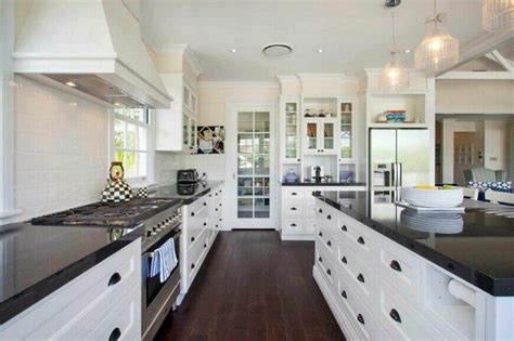 White Kitchen Cabinets With Black Granite 36 Inspiring Kitchens With White Cabinets And Granite Pictures