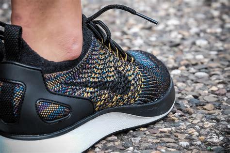 Sepatu Sneakers Nike Air Zoom Racer Flyknit White Blue Orange nike s air zoom flyknit racer black summit white desert moss sneakers geen