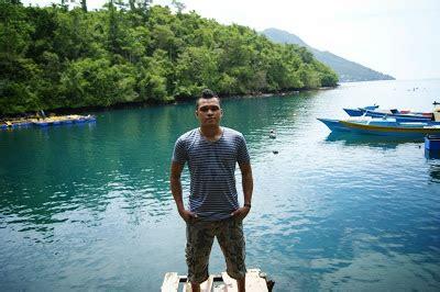 anak wisata pulau ternate