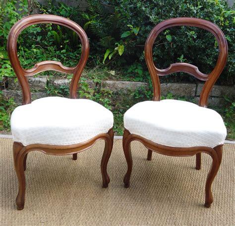 paire de chaises anciennes en merisier 224 dossier violonn 233