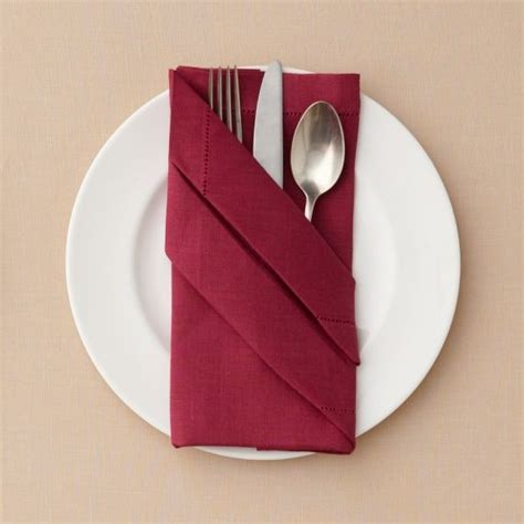 How To Fold A Paper Napkin With Silverware - best 25 folding napkins ideas on napkins