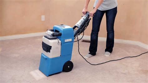 how to clean a carpet with a carpet cleaner and