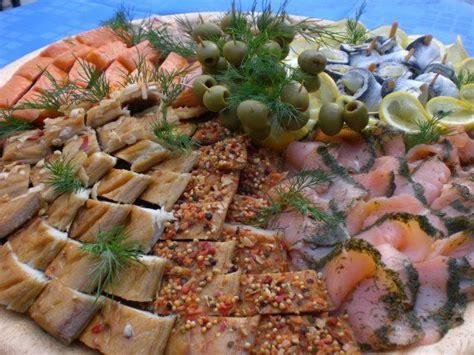 kaltes buffet anrichten 220 ber 1 000 ideen zu fischplatte auf