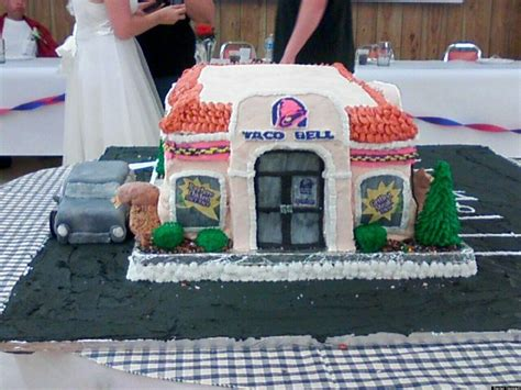 couple wedding photos at taco bell video taco bell weddings and engagements are more common than