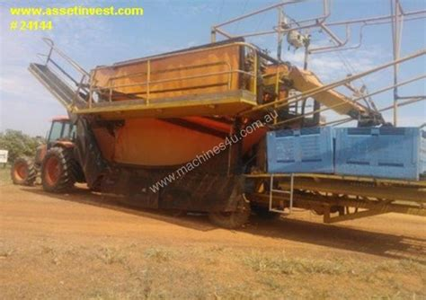 harvest aid high volume mango harvester header pickup