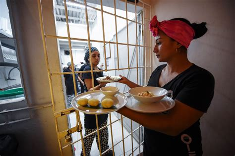 Being Incarcerated Now Trendy by These Are Serving Food And Time In Colombia S