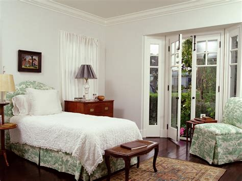 Shabby Chic Bedroom Ideas For A Vintage Romantic Bedroom Look Rooms Decorating Ideas