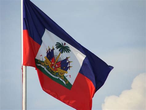 25 best ideas about haiti flag on haitian