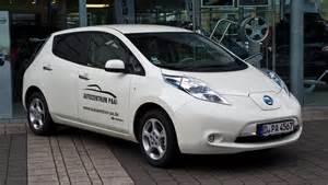 What Is Nissan Leaf File Nissan Leaf Frontansicht 28 April 2012