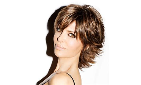what type of hair products does lisa rinna use celebrity lisa rinna loves ren 233 e rouleau skin care