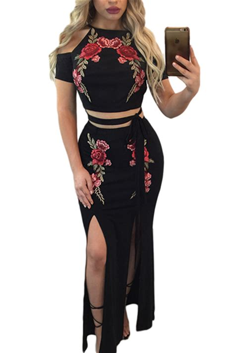 Trendy Top 2 In 1 1 Set Isi 2 Pcs Hitam Dan Putih trendy neck sleeves embroidery high split black qmilch two skirt set two