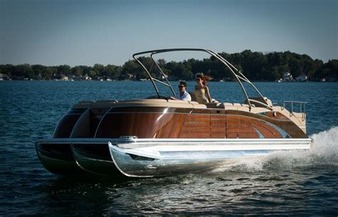 pontoon boats with head bennington 2575qcw mahogany edition this luxury pontoon