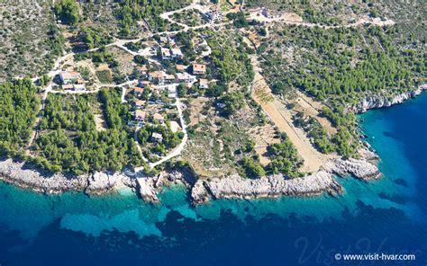 bad island bojani艸 bad island hvar