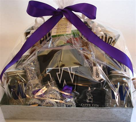 new years gift baskets custom new year s gifts at bumble b design bumble b design