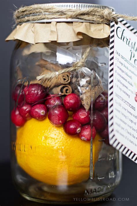 christmas potpourri gift idea free printable yellow