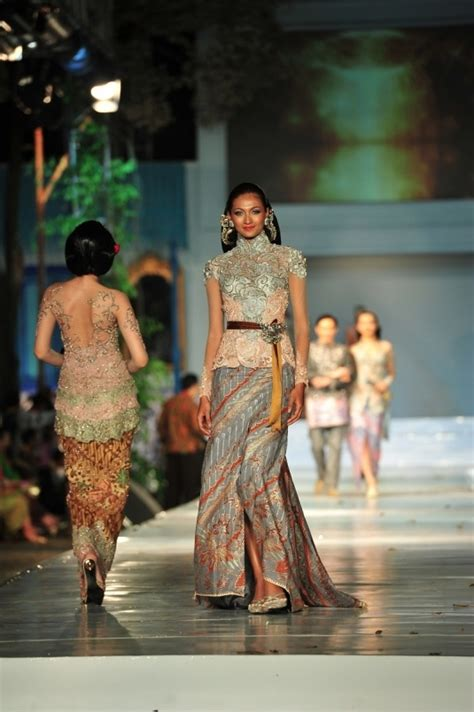 desain dress panjang ivan gunawan 21 best dress by ivan gunawan images on pinterest kebaya
