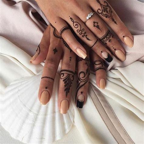 1000 images about finger tattoos on pinterest finger tatuajes de henna para mujer en los dedos interesante