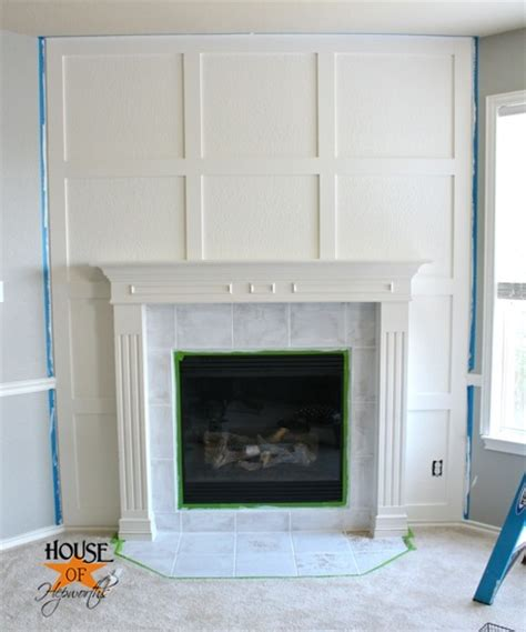 Fireplace Mouldings by A Dramatic Fireplace Makeover White Moulding Black Mantel