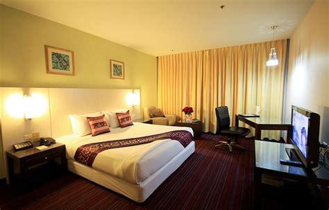 the sweet room deluxe suite room dynasty grande bangkok hotel nana