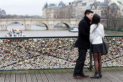 images of love locks the love lock bridge peoniesandpancakes